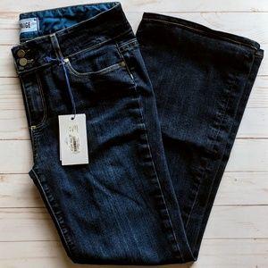 NWOT Paige Hidden Hills boot cut jeans size 31